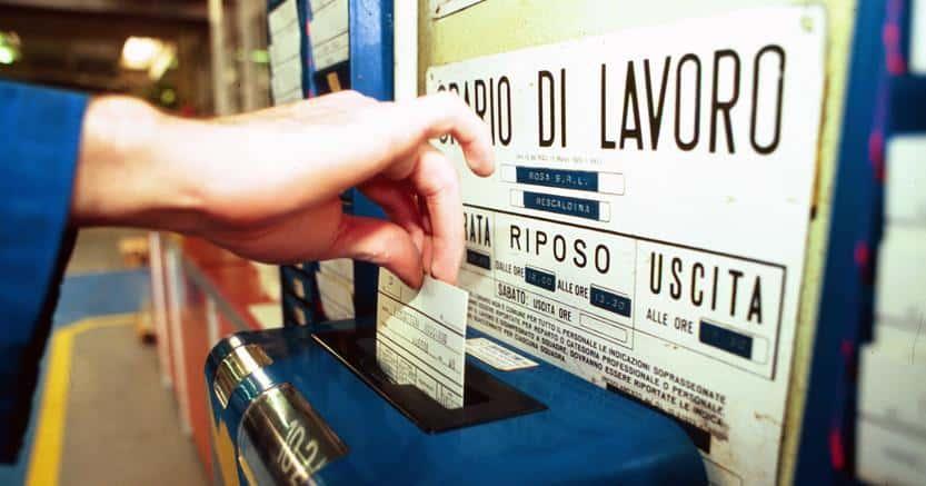 timbratura cartellino rilevazione presenze furbetti del cartellino
